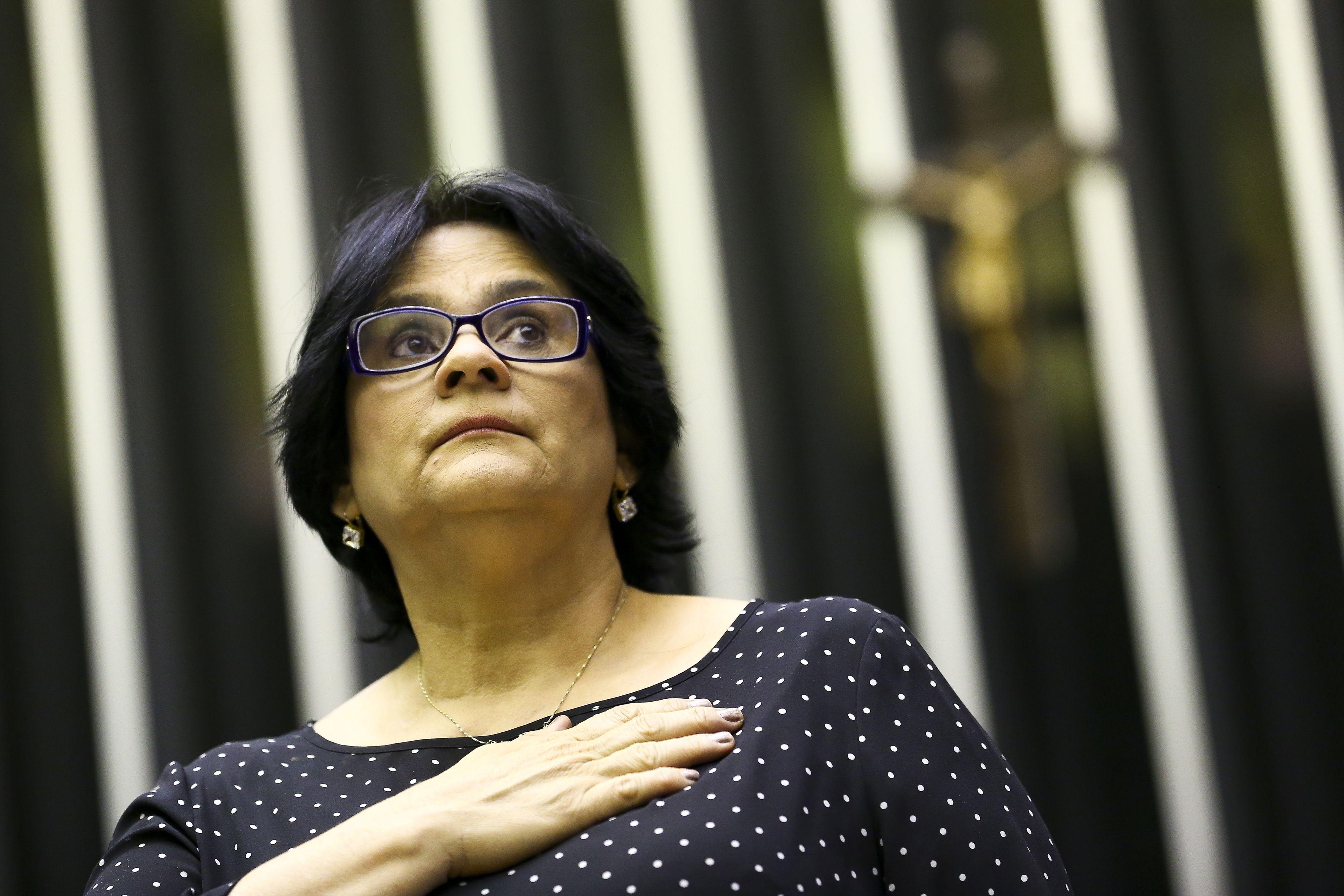 A ministra Damares Alves participa de sessão solene na Câmara dos Deputados, em 21 de outubro de 2019.