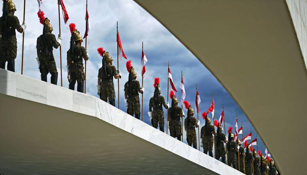 Dragões da Independência na rampa do Planalto.