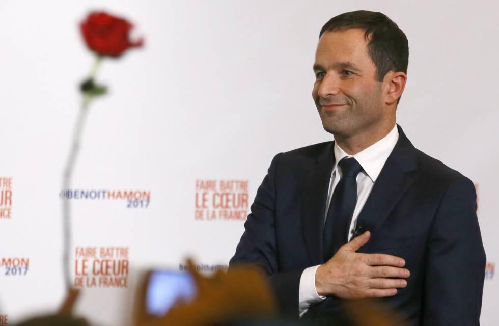Benoît Hamon ao ser comunicado de sua vitória neste domingo.