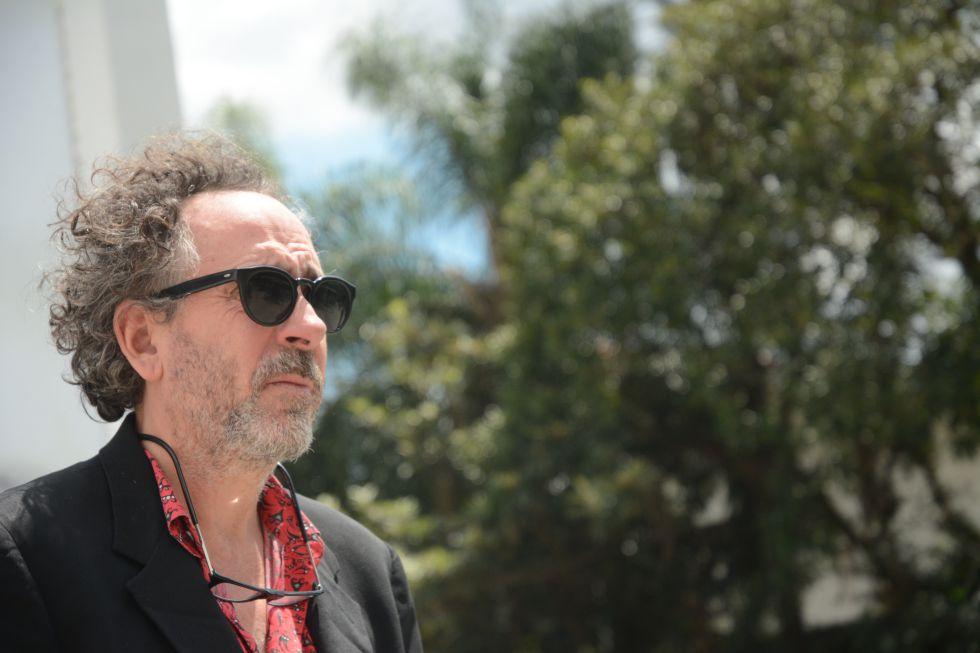 Burton após o encontro com jornalistas no MIS.