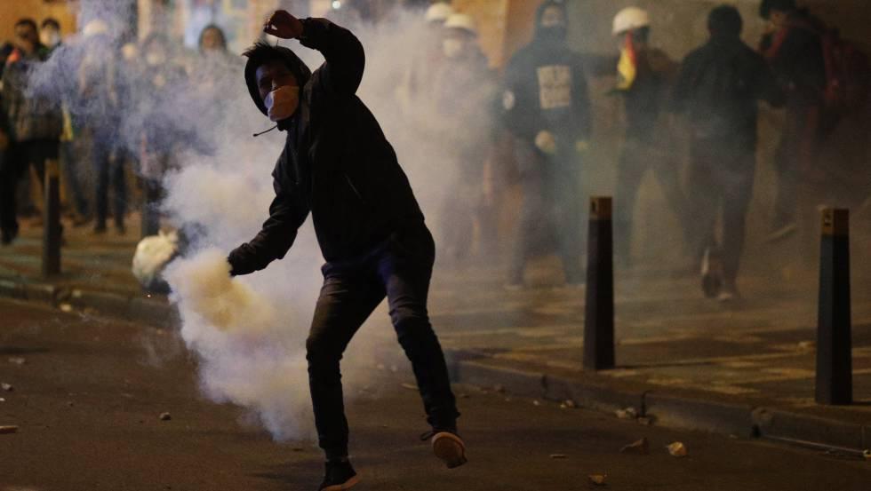 Manifestante durante um protesto em La Paz, nesta quarta-feira.