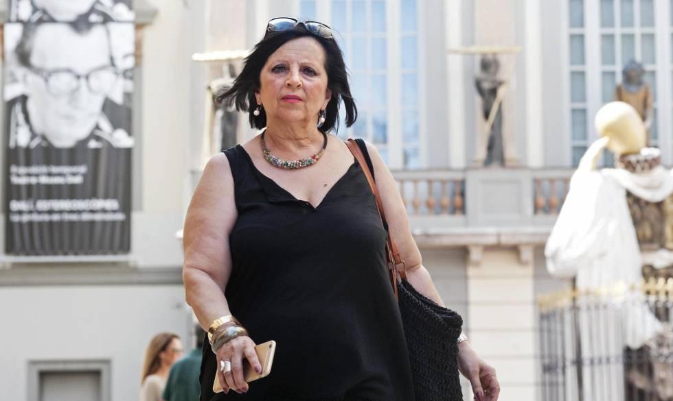 Pilar Abel, depois de conseguir a ordem judicial para exumar o corpo de Dalí