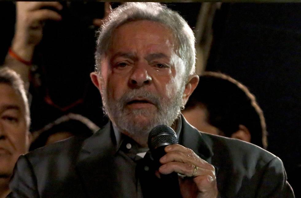 Lula discursa na av. Paulista na última sexta-feira.