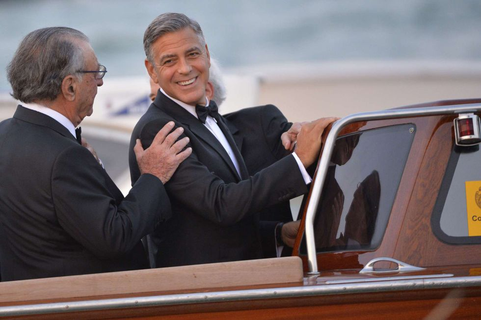 George Clooney deixa o hotel Cipriani depois do coquetel.