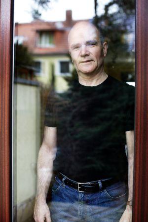 O vereador Hans Erxleben, em sua casa em Berlim.