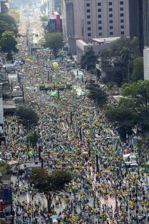 Visão da Paulista neste domingo.