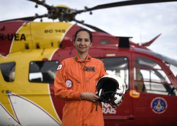 Karla Lessa, a primeira mulher comandante piloto de helicópteros de bombeiro do Brasil, fez os primeiros resgates aéreos na tragédia de Brumadinho