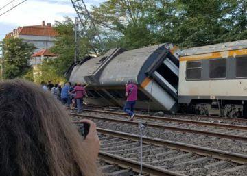 Descarrilamento aconteceu perto de uma estação na Galícia, depois que o primeiro vagão saiu dos trilhos