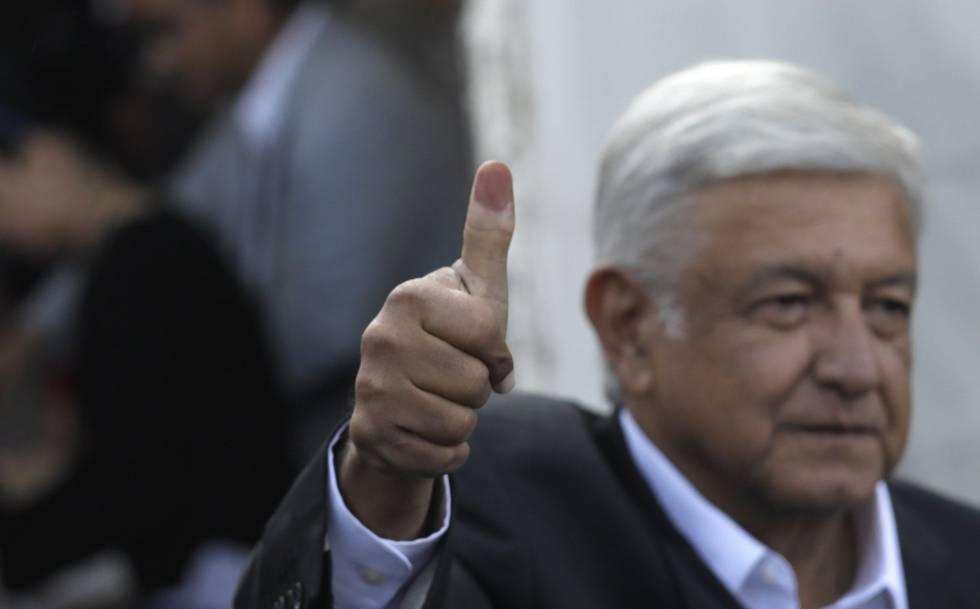 Andrés Manuel López Obrador após votar