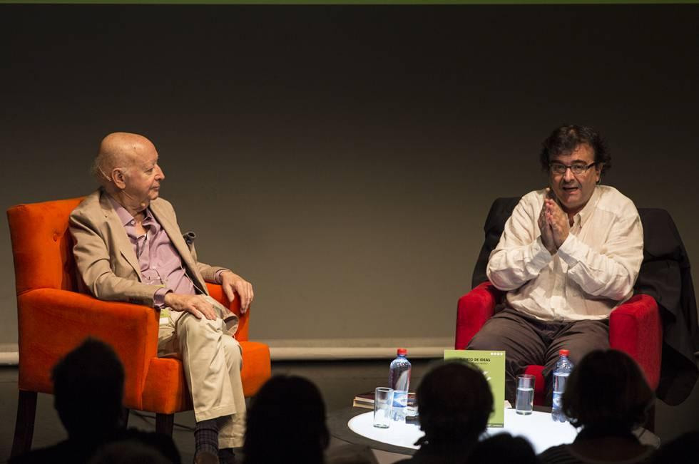 Jorge Edwards (esquerda) e Javier Cercas no Festival Puerto de Ideas em Valparaíso (Chile).