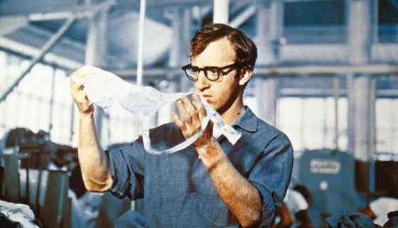 Woody Allen em 'Um assaltante bem trapalhão' (1969).