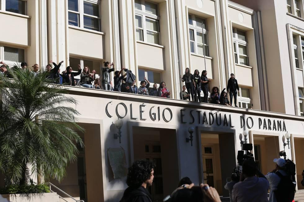O Colégio Estadual do Paraná, que segue ocupado.
