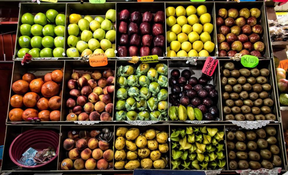 Mercado de frutas em em Oaxaca, Mexico.