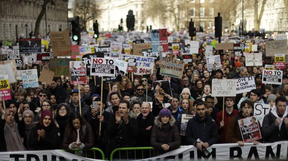 Manifestação contra o veto migratório de Trump