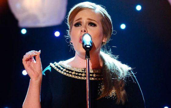 A cantora Adele, em um show.