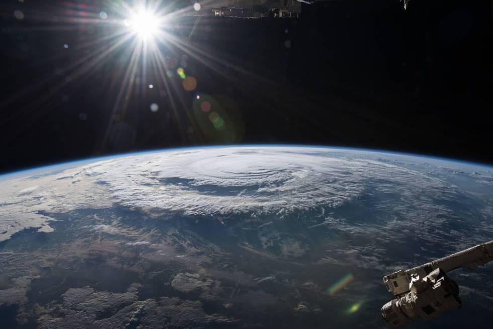A atmosfera terrestre vista a partir da Estação Espacial Internacional