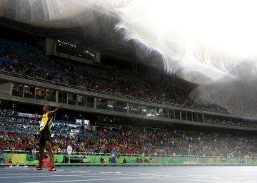 Em sua última vitória olímpica sozinho, o jamaicano corre para bater seu recorde mundial dos 200m, mas o corpo lhe diz não