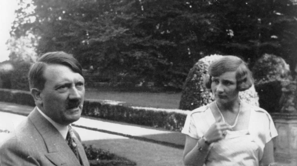 Hitler e Unity Mitford, em Munique, 1937.