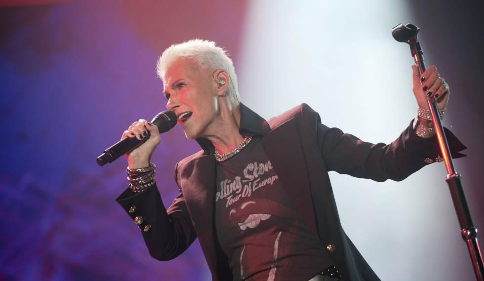 Marie Fredriksson, em um palco no ano 2012.