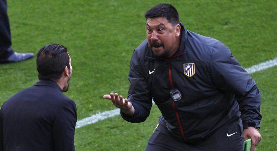 Burgos (à dir.) e Simeone celebram o título espanhol.