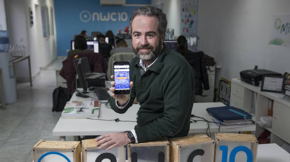 José Luis Cáceres, na terça-feira, dia 12, em seu laboratório de projetos de blockchain e bitcoin em Madri