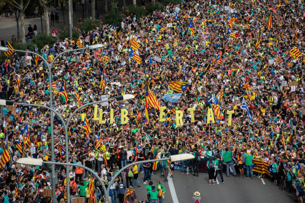 Unrest In Catalonia Mass Marches Of Pro Independence Protesters Descend On Barcelona News El Pais In English