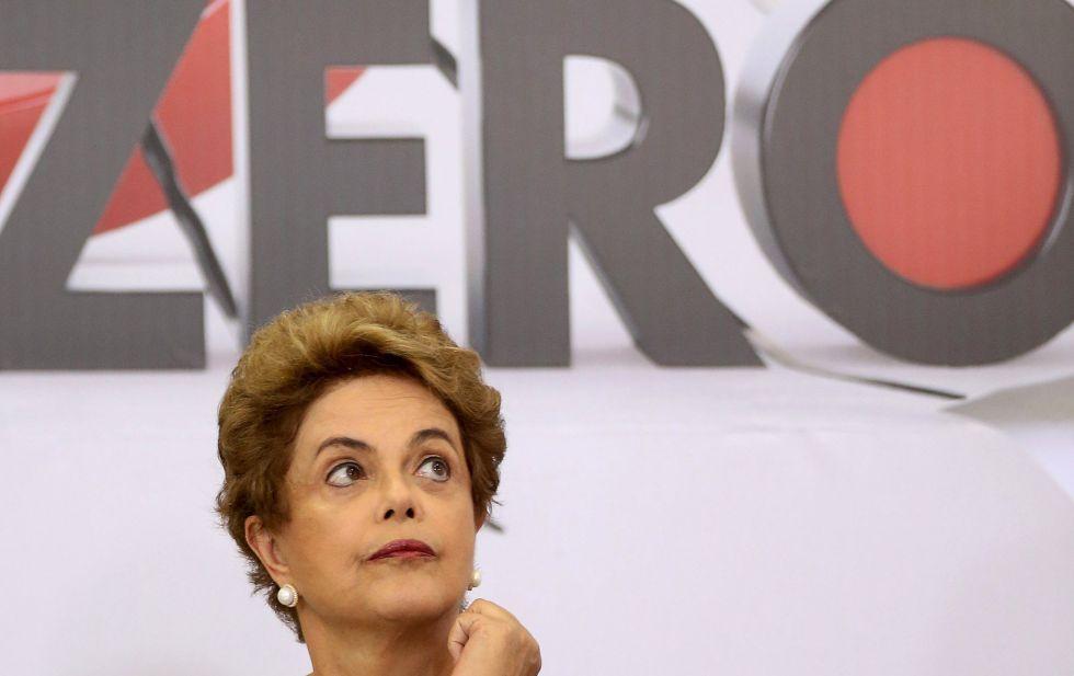 Dilma em evento sobre o zika vírus no Palácio do Planalto.