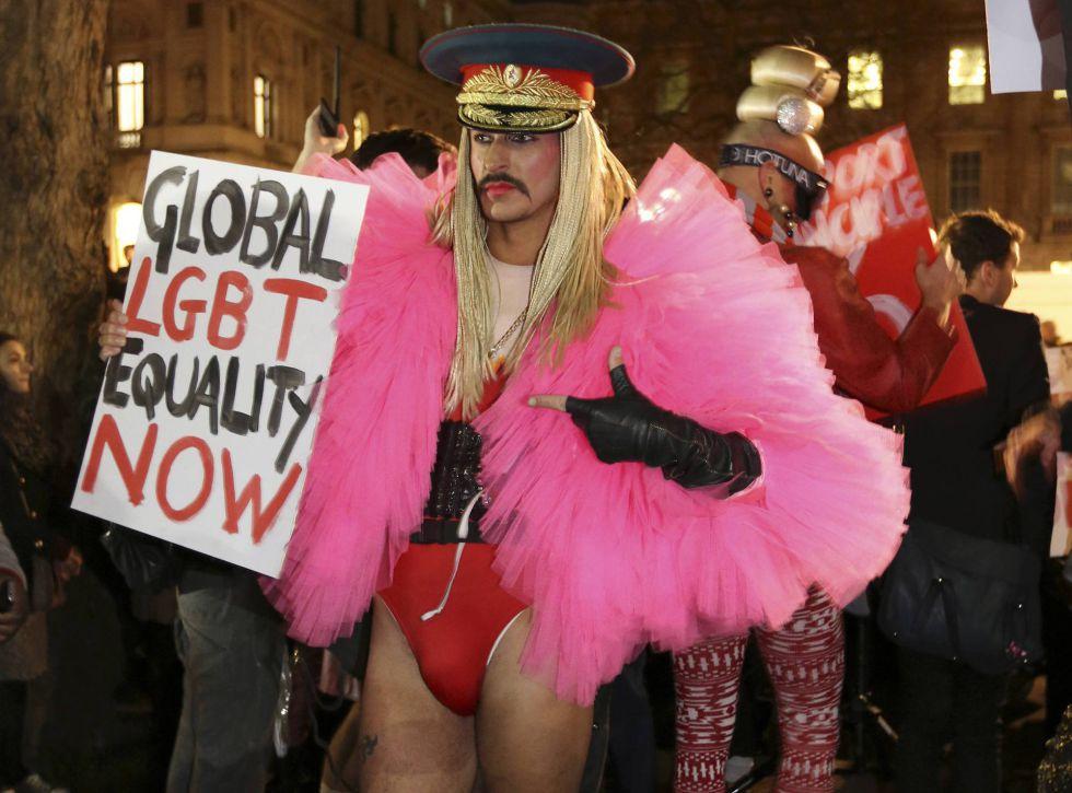 Manifestação em Londres contra as leis russas.