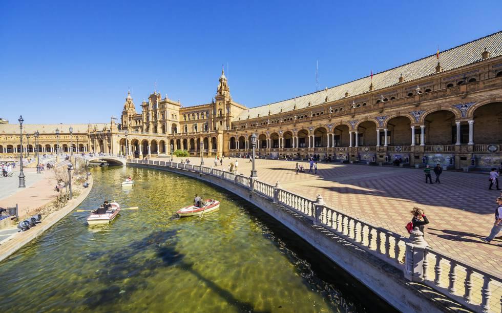A Plaza de España de Sevilha