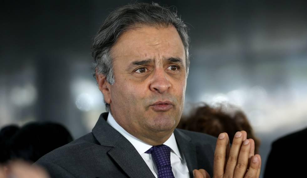 O senador Aécio Neves (PSDB), afastado do Senado e obrigado a recolhimento noturno