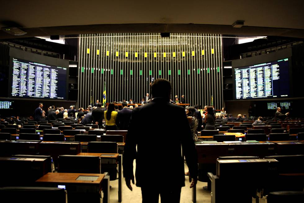 Vista da Câmara dos Deputados durante uma sessão.