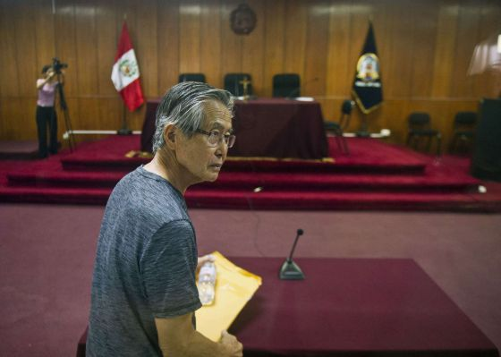 Alberto Fujimori, ao chegar ao tribunal.