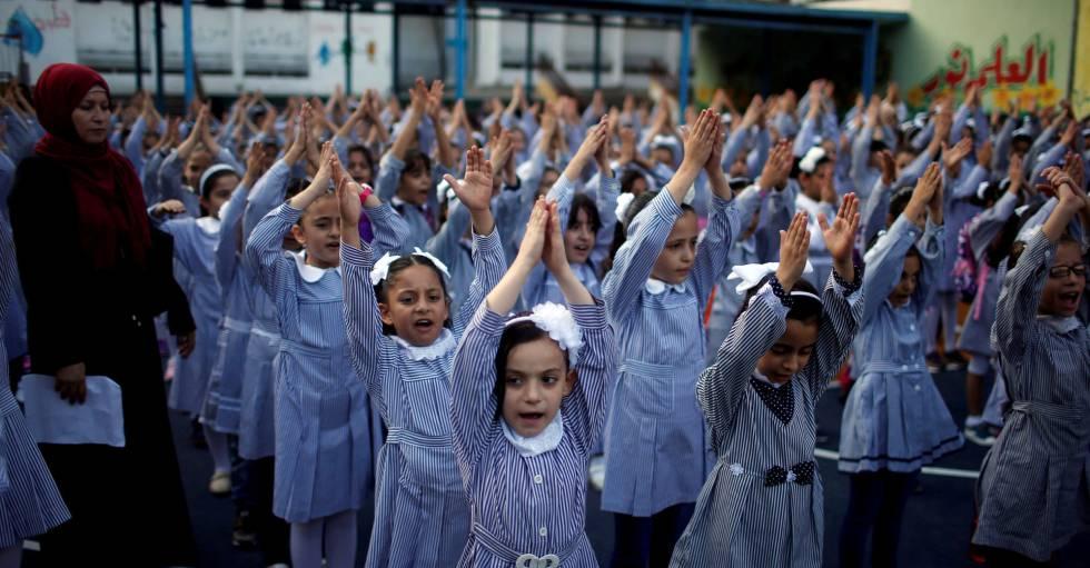Alunas de um colégio da ONU em Gaza, no começo do calendário escolar.