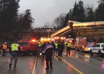 """Veículo de alta velocidade inaugurado nesta segunda-feira levava 78 pessoas a bordo. As equipes de emergência falam em """"múltiplas vítimas"""" e seis mortos"""