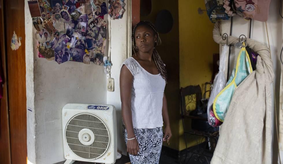 María Fernanda Rodríguez, em sua casa no bairro de Cotiza, em Caracas.