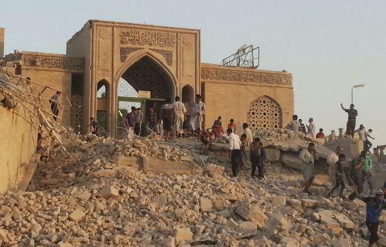Estado de uma mesquita de Mossul depois de um ataque jihadista.