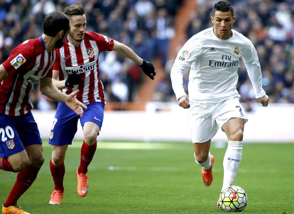 Cristiano Ronaldo é bem marcado.