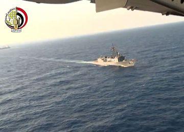 Um porta-voz assegura que também foram encontrados pertences dos passageiros, a cerca de 300 quilômetros da costa de Alexandria