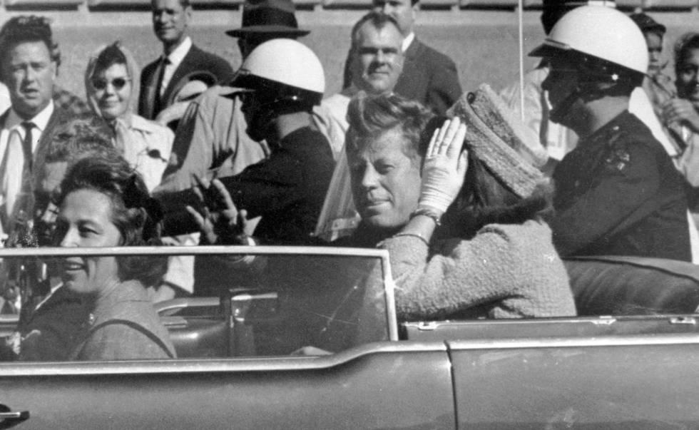 John F. Kennedy e Jacqueline Kennedy, em 22 de novembro de 1963.
