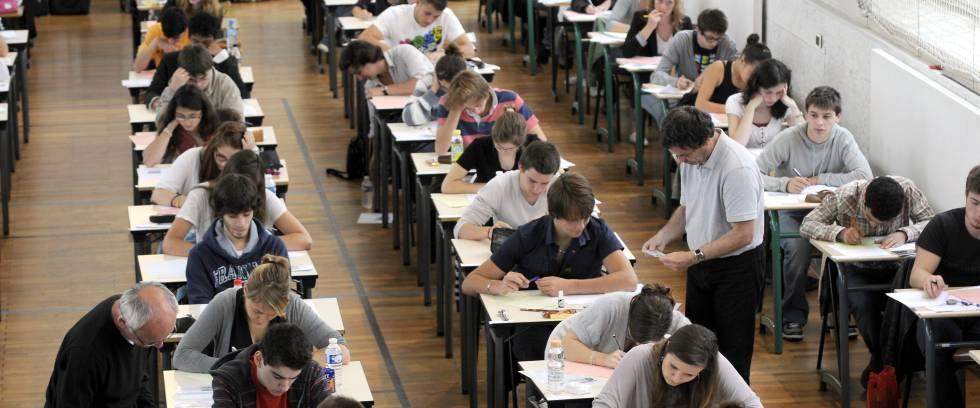 Exame de ensino médio em um instituto de Nantes (França).