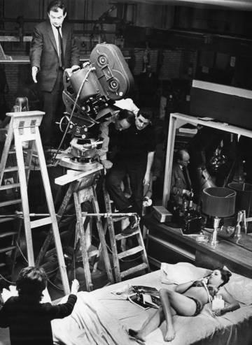 Stanley Kubrick, na filmagem de 'Dr. Fantástico', em 1964.