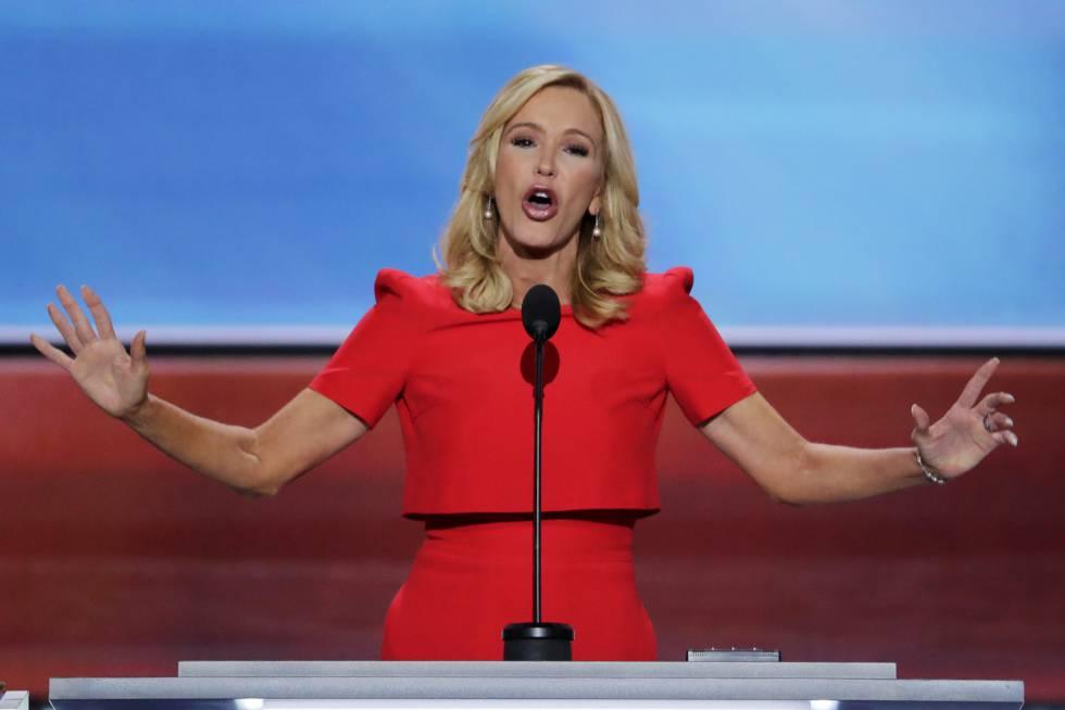 A pastora evangélica Paula White na Convenção do Partido Republicano de 2016.