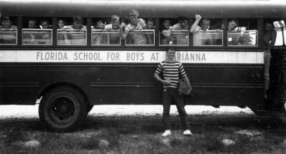 Estudantes da Escola para meninos de Marianna, em 1957.