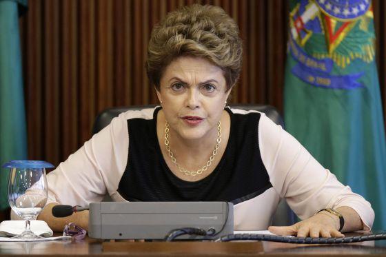 Dilma Rousseff, durante encontro com juristas nesta segunda-feira.