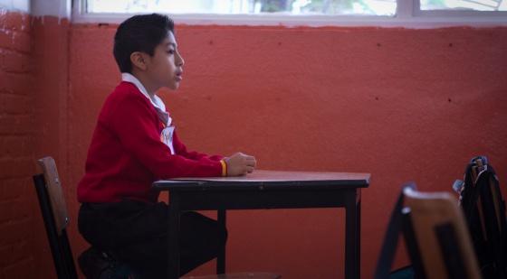 Aluno em uma escola central na Cidade do México.