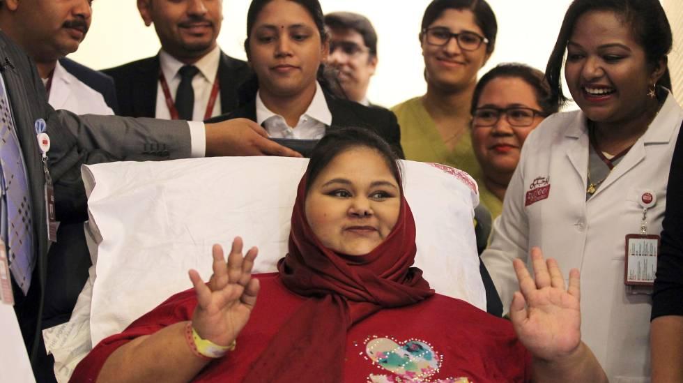 Eman Ahmed Abdelaty durante uma entrevista no hospital antes da cirurgia