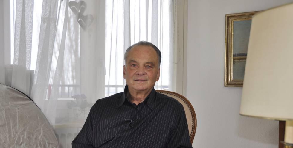 Heinz Schmitz, de 73 anos, condenado em 1962 a seis meses de prisão por manter relações homossexuais.