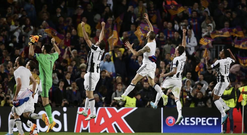 Jogadores da Juve comemoram classificação para as semifinais.