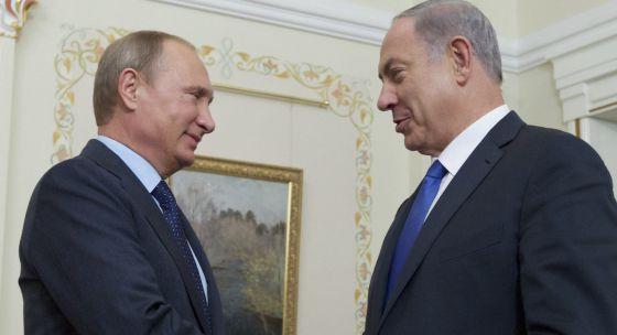 Vladímir Putin e Benjamin Netanyahu, na segunda-feira em Moscou.