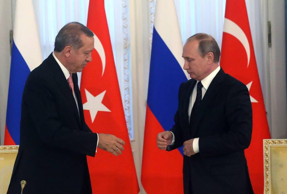 Erdogan e Putin, na terça-feira, dia 9 de agosto, em São Petersburgo.